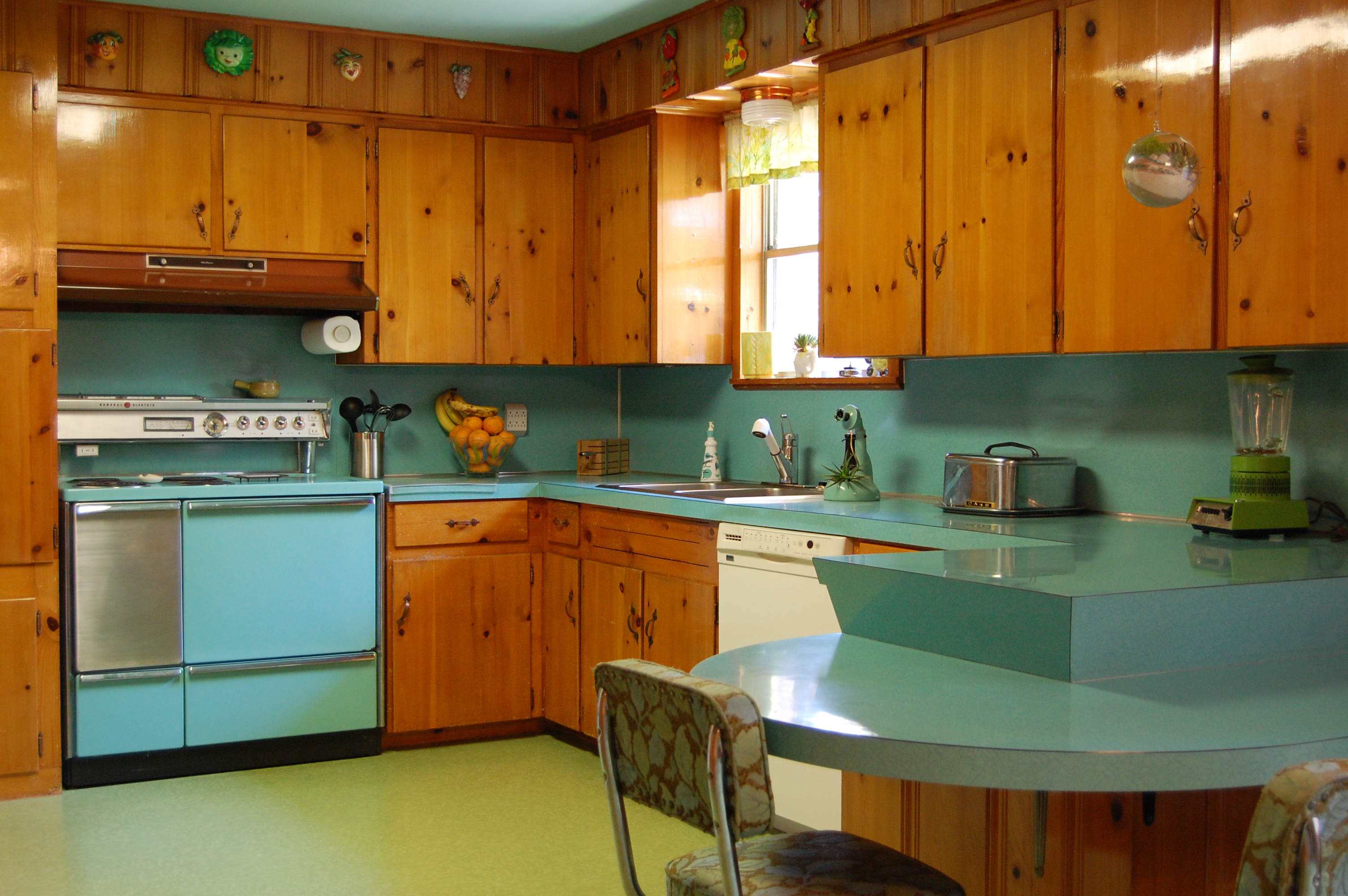 Incroyable Knotty Pine Kitchen Cabinets